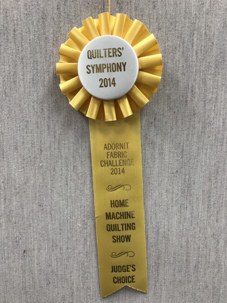 The Judge's Choice ribbon for my challenge quilt even matched the yoyo embellishments!